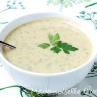 Soupe parmentier : pommes de terre et herbes