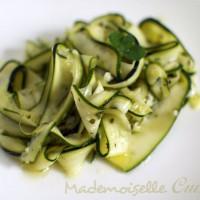 Salade de tagliatelles de courgettes